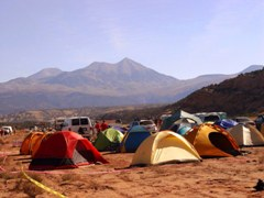 Well organized and clean tent camping area at 24-Hours of Moab Race - Click for larger image (http://jamesmcgillis.com)
