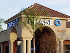 Chase Bank branch similar to the Laguna Hills Branch where ATM was stolen - Click for larger image (http://jamesmcgillis.com)