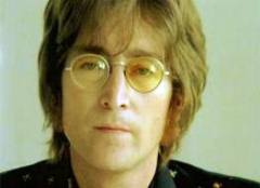 "John Lennon live, singing his song, ""Imagine"" - Click for larger image (http://jamesmcgillis.com)"