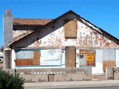 In October 2012, this abandoned building in Mesquite, Nevada faced imminent demolition - Click for larger image (http://jamesmcgillis.com)