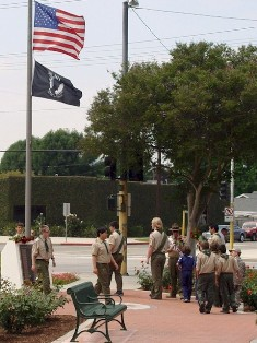 Boy Scouts perform the Order of the Rose Ceremony, Memorial Day 2009, Burbank, California - Click for larger image (http://jamesmcgillis.com)