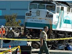 Metrolink Engine No. 870, which crashed in Oxnard, California, resulting in the death of Senior Metrolink Engineer Glenn Steele - Click for larger image (http://jamesmcgillis.com)