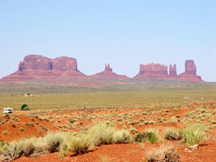 In all of its colorful splendor, Monument Valley, Utah, near Goulding's Lodge - Click for larger image (http://jamesmcgillis.com)