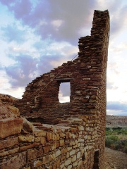 This corner wall, with intact window lintel is one of the tallest remaining structures at Pueblo Bonito, in Chaco Canyon, New Mexico - Click for larger image (http://jamesmcgillis.com)