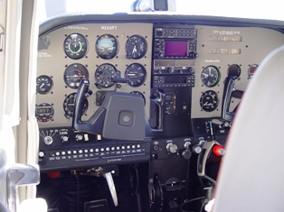 Parked at Moab Airport, close-up of the King Katmai 300 instrument panel - Click for larger image (http://jamesmcgillis.com)