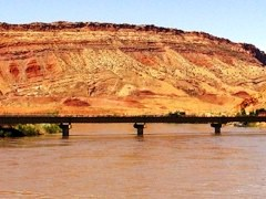 2008 photo of the old U.S. Hwy. 191 Bridge over the Colorado River at Moab, Utah - Click for larger image (htp://jamesmcgillis.com)