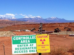 Nuclear waste container staging area at the Moab Pile - Click for larger image (http://jamesmcgillis)