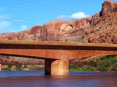 The new U.S. Hwy. 191 River Bridge at Moab, Utah - Click for larger image (http://jamesmcgillis.com)
