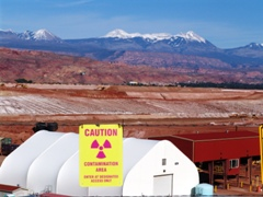 In May 2014, The Moab Pile is reportedly 41% smaller than when remediation began in 2009 - Click for larger image (http://jamesmcgillis.com)