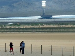 Tourists stop illegally to take pictures on I-15 at Brightsource-Ivanpah, California - Click for larger image (https://jamesmcgillis.com)