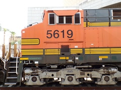 The twelve forty-two-inch diameter drive-wheels on each BNSF freight locomotive deployed by Metrolink are creating excessive wear on the tight curves heading into Chatsworth Station and other locations - Click for detailed image (http://jamesmcgillis.com)