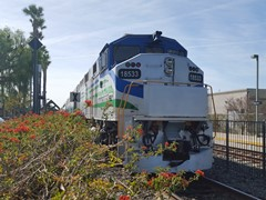 With breakdowns, fires and accidents thinning the ranks of Metrolink diesel locomotives, Metrolink has silently begun leasing replacement equipment from R&B Leasing, Inc. - Click for larger image (http://jamesmcgillis.com)