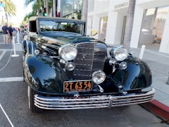 A 1933 Cadillac V-16 at the Rodeo Drive Concours d'Elegance in 2016 - Click for larger image (htp://jamesmcgillis.com)
