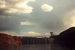 The Glen Canyon Dam, as seen from Lake Powell in 1965 - Click for larger image (http://jamesmcgillis.com)