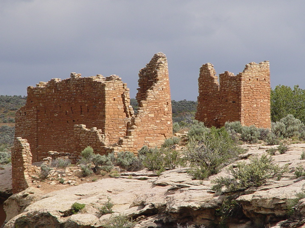 Ancient ruins of Hovenweep Castle, Little Ruin Canyon, Hovenweep National Monument, Utah Click for larger image (http://jamesmcgillis.com)