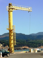 The 25,000 lb. boat hoist at Port Orford, OR - Click for larger image (http://jamesmcgillis.com)