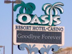 Days before its demise, the old Oasis Hotel Resort Casino pole sign said its last farewell - Click for larger image (http://jamesmcgillis.com)