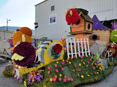 The 2017 City of Burbank Rose Parade float departs the Float Barn, on the way to judging - Click for larger image (http://jamesmcgillis.com)