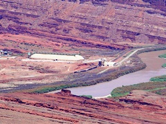 Intrepid Potash Cane Creek Facility, on the Colorado River, near Moab, Utah - Click for larger image (http://jamesmcgillis.com)