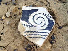 Black on white potsherd from Kin Klizhin, Chaco Canyon, New Mexico - Click for larger image (https://jamesmcgillis.com)