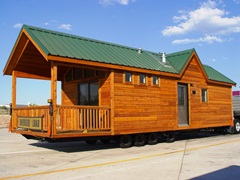 Newer park model manufactured homes could remain on their axles and wheels, allowing rapid evacuation of both residents and their homes - Click for larger image (http://jamesmcgillis.com)