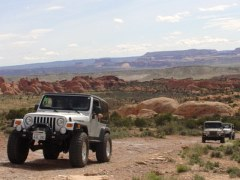 "Jeeps ""pulling the hill"" atop the Klondike Trail at Klondike Bluffs in Arches National Park, Moab, Utah - Click for larger image (http://jamesmcgillis.com)"