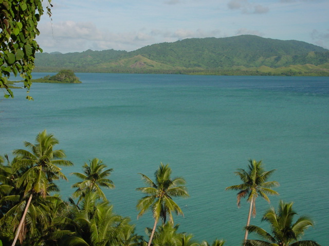 High tide at noon on Natewa Bay, Vanua Levu Island, Fiji - Click for larger image (http://jamesmcgillis.com)