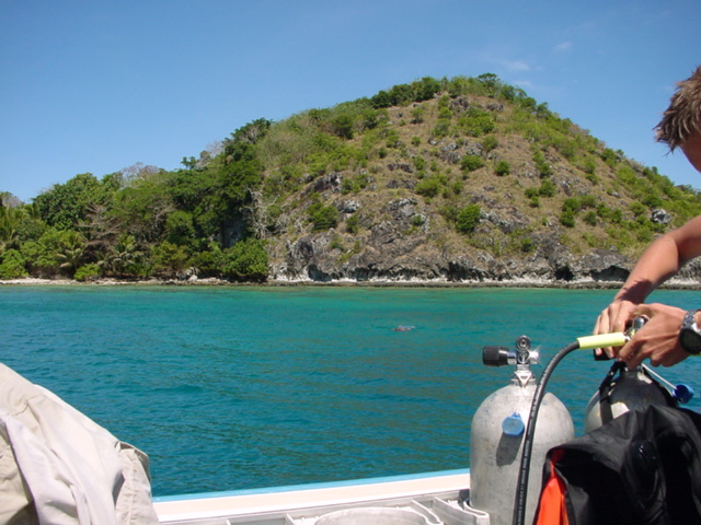 Namena Island view, from nearby scuba diving anchorage - Click for larger image (http://jamesmcgillis.com)