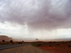 A micro-burst dust storm descends upon Monument Valley, Utah/Arizona - Click for larger image (http://jamesmcgillis.com)