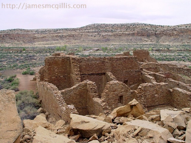 Pueblo Bonito Ruin, with the rockfall in the foreground, Chaco Canyon, New Mexico - Click for larger image (http://jamesmcgillis.com)