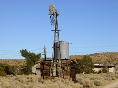 An Aermotor windmill pump provided off-grid water supply and thermal storage in the Mojave Desert one hundred years ago - Click for larger image (http://jamesmcgillis.com)