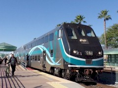 At the Burbank, California Metrolink station, a Hyundai Rotem cab-control car is properly mated with a matching Hyundai Rotem passenger coach, as all Metrolink trains should be - Click for larger image (http://jamesmcgillis.com)