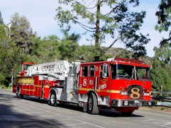 LA County Truck Company 8 is a 1998 KME 100 ft. Tillered Quint Aerial Ladder - Click for larger image (http://jamesmcgillis.com)