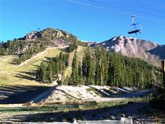 Mammoth Mountain Ski Area near Mammoth Lakes, California - Click for larger image (https://jamesmcgillis.com)